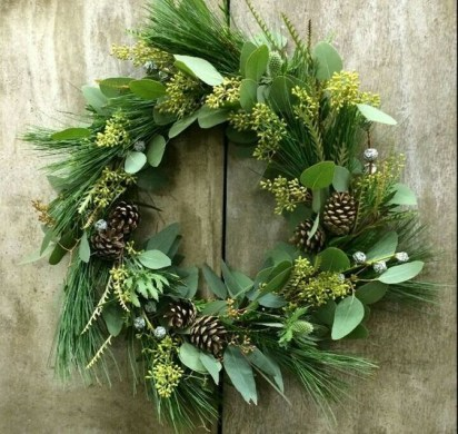 On a budget diy christmas wreath to deck out your door 05