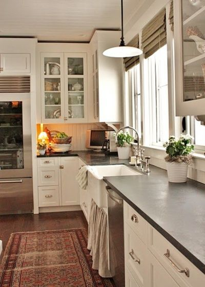 Top farmhouse sink designs for your lovable kitchen 23