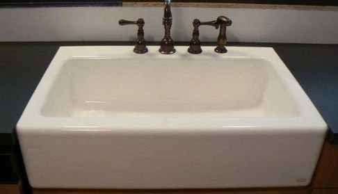 Top farmhouse sink designs for your lovable kitchen 36