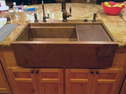 Top farmhouse sink designs for your lovable kitchen 42