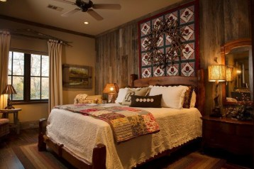 Awesome rustic bedroom furniture ideas to get the farmhouse charm 46