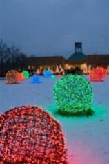 Beautiful diy christmas light decoration ideas 13