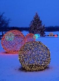 Beautiful diy christmas light decoration ideas 48