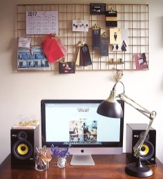 Best diy decor ideas for your home using wire wall grid 06