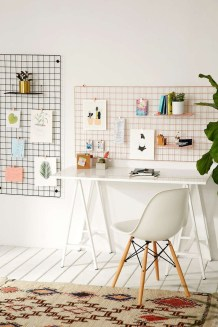Best diy decor ideas for your home using wire wall grid 26