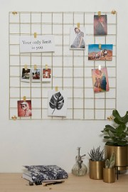 Best diy decor ideas for your home using wire wall grid 34