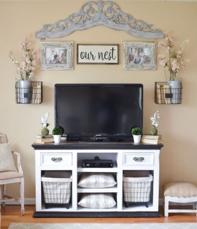 Colorful farmhouse style you will want to know 32