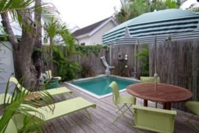 Coolest small pool ideas for your home 37