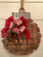 Creative diy rustic christmas decorations with wood 12