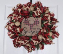 Diy christmas wreath ideas to decorate your holiday season 02
