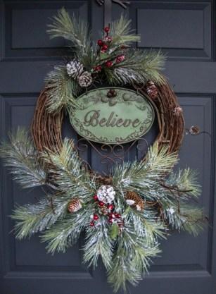 Diy christmas wreath ideas to decorate your holiday season 13