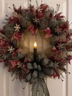 Diy christmas wreath ideas to decorate your holiday season 22