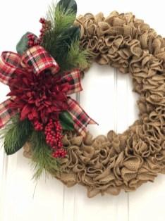 Diy christmas wreath ideas to decorate your holiday season 25