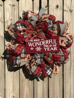 Diy christmas wreath ideas to decorate your holiday season 30