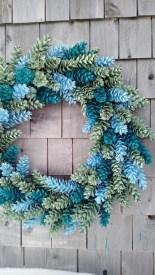 Diy christmas wreath ideas to decorate your holiday season 32