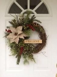 Diy christmas wreath ideas to decorate your holiday season 48