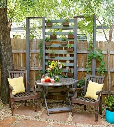 Inspiring vertical garden ideas for your small space 18