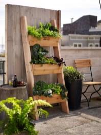 Inspiring vertical garden ideas for your small space 32