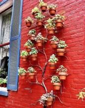 Inspiring vertical garden ideas for your small space 49