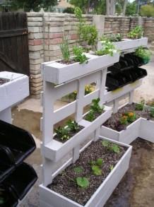 Inspiring vertical garden ideas for your small space 53