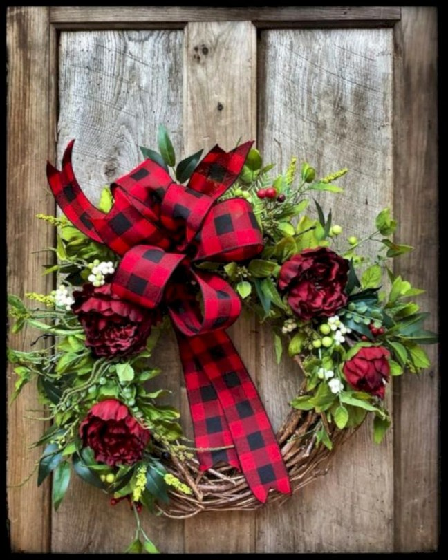 On a budget diy christmas wreath to deck out your door 14