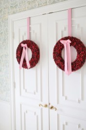 On a budget diy christmas wreath to deck out your door 41