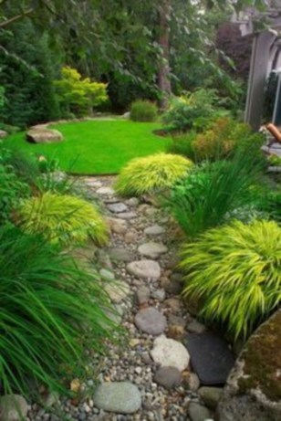 Simple rock garden decor ideas for your backyard 20