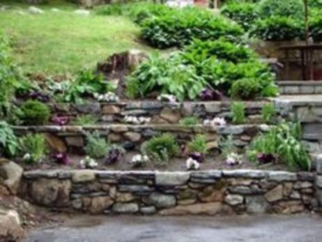 Simple rock garden decor ideas for your backyard 26