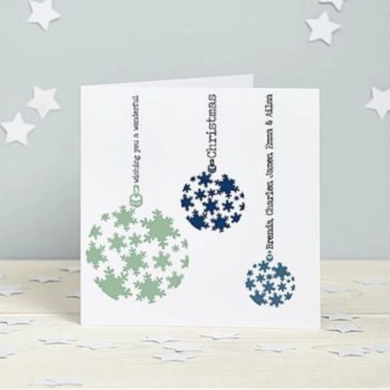 Ways to decorate your home with snowflakes and baubles 27