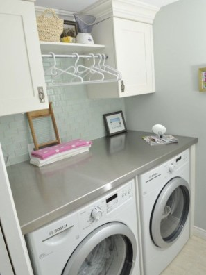 Beautiful and functional small laundry room design ideas 13