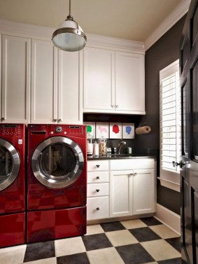 Beautiful and functional small laundry room design ideas 41