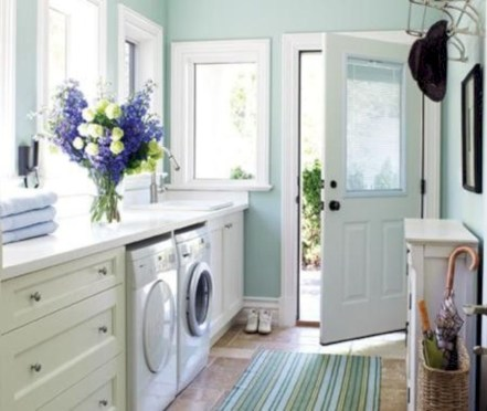 Beautiful and functional small laundry room design ideas 55