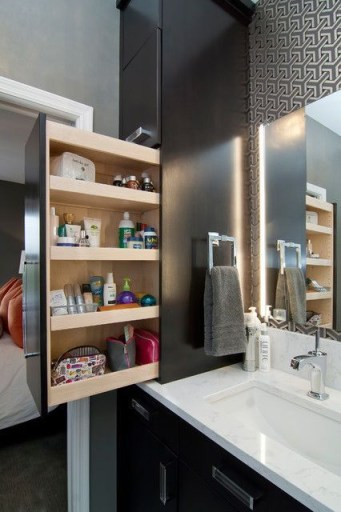 Built-in bathroom shelf and storage ideas to keep your bathroom organized 18