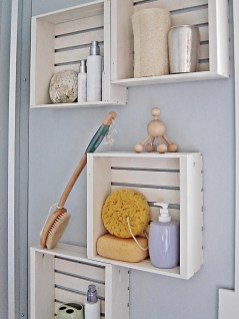 Built-in bathroom shelf and storage ideas to keep your bathroom organized 28