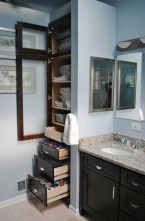 Built-in bathroom shelf and storage ideas to keep your bathroom organized 41