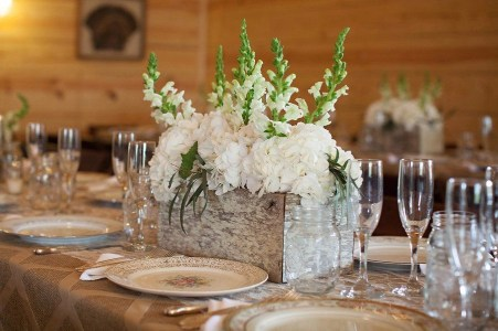 Charming rustic centerpieces that will fill up your tables 33
