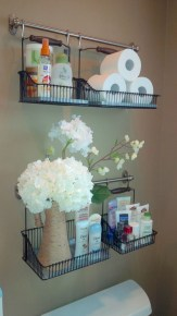 Hanging bathroom storage ideas to maximize your small bathroom space 23