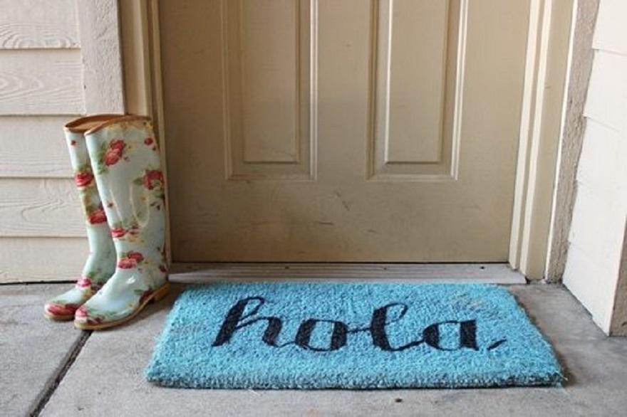 A cool diy blue hola doormat