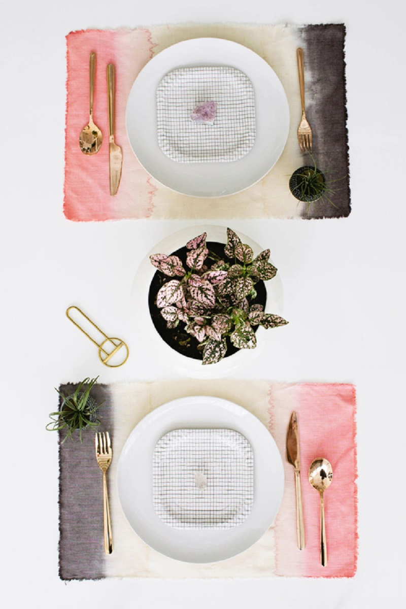 Dip dyed effect placemat DIY Winsome Placemats For The Perfect Table Setting Presentation