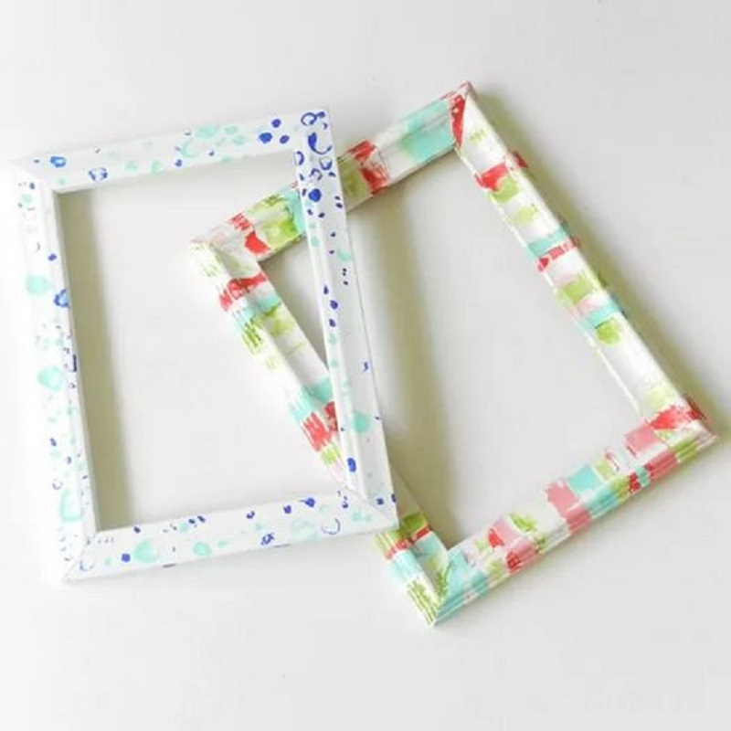Frame with bold pattern