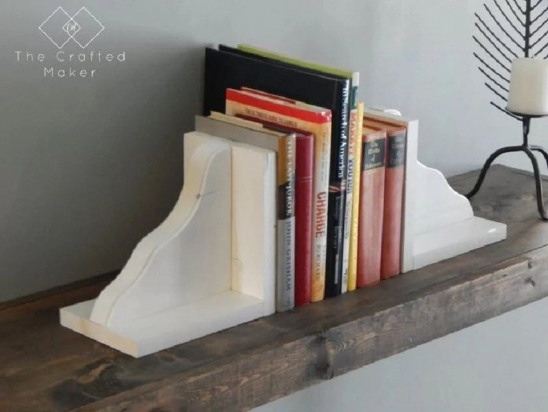 Simple wood bookends