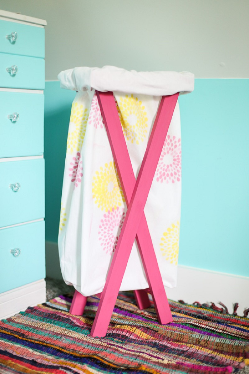 Stylish laundry hamper Spectacular DIY Ideas To Create Foremost Dorm Room Décor