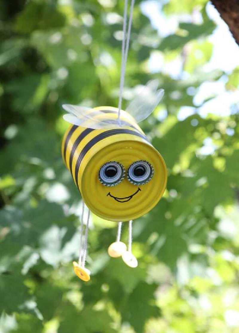 Tin can hanging bee DIY Magical Hanging Decoration Ideas To Bring Your Outdoor Alive