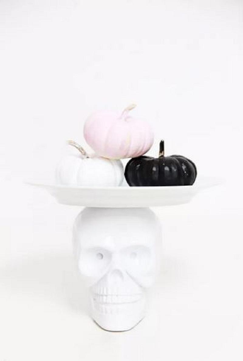 Diy skull cake stand