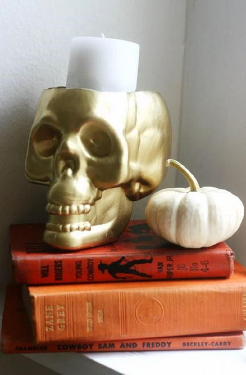Diy skull candleholder