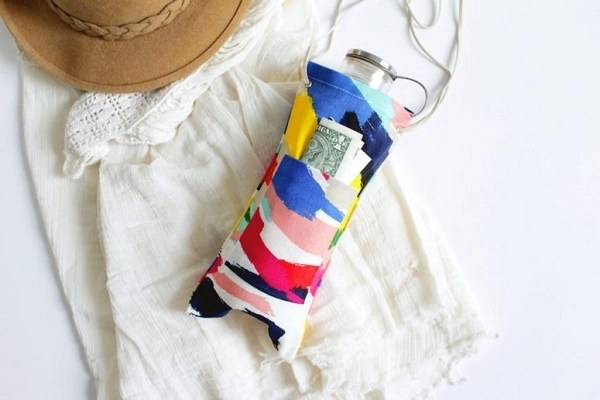 Diy colorful water bottle sling for festival Chic DIY Water Bottle Totes And Slings For Your Daily Activities And Exercise