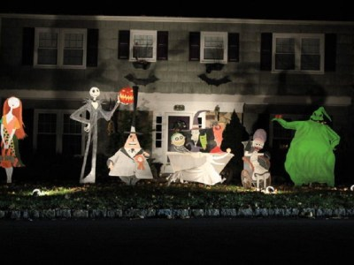 How to decorate your outdoors with spooky and creepy diy halloween decorations