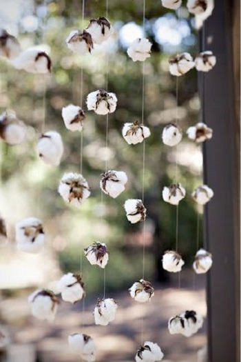 Diy cotton garland DIY Coziest Cotton Plant And Balls Crafts As Décor Items This Winter