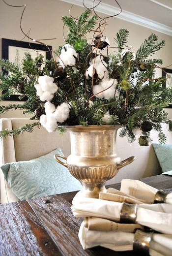 Diy lush christmas centerpeice with cotton and evergreens DIY Coziest Cotton Plant And Balls Crafts As Décor Items This Winter