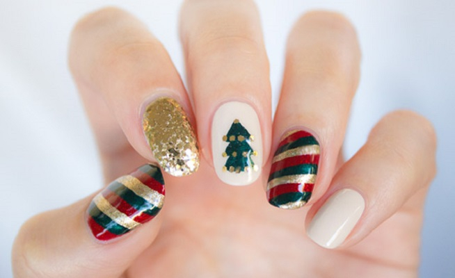 Mix and match nail arts DIY Marvellous Christmas Nail Art Ideas To Let Your Nails Shining All Day